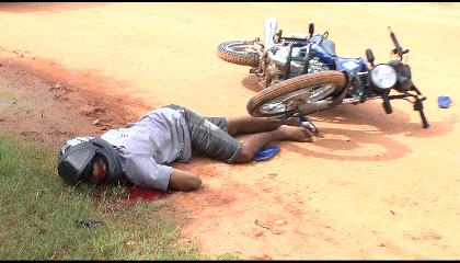 Homem é executado com tiros na cabeça por motoqueiros