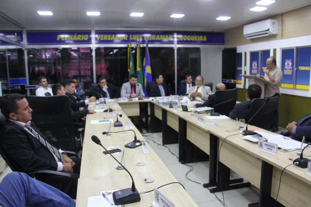 Política - Contas do ex-prefeito Raimundo Cordeiro são aprovadas pela Câmara de Russas